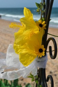 beach weddings flower